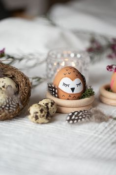 Ostereier als Tiere – tierische Ostern Paint easter eggs as animals. Creative DIY idea for DIY at Easter. Animal Easter fun factor guaranteed at the breakfast table or in the Easter basket. Diy Gifts For Kids, Diy For Kids, Spring Decoration, Diy Ostern, Coloring Easter Eggs, Egg Decorating, Easter Party, Easter Baskets, Easter Crafts