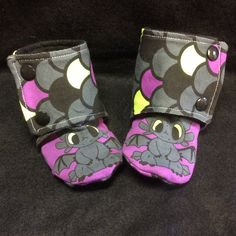 Adorable Toothless booties! A must have for every boy and girl!