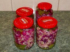 Reteta culinara Salata de varza pentru iarna (Motan) din categoria Muraturi. Cum sa faci Salata de varza pentru iarna (reteta Motan) Fusilli, Pickles, Mason Jars, Food And Drink, Cooking Recipes, Canning, Life Tips, Beds, Salads