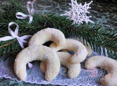 Vánoční cukroví - recepty na vánoční pečení   NejRecept.cz Bite Size Cookies, Vegan, Christmas Baking, Holiday Recipes, Christmas Recipes, Food And Drink, Tiramisu, Advent, Low Carb