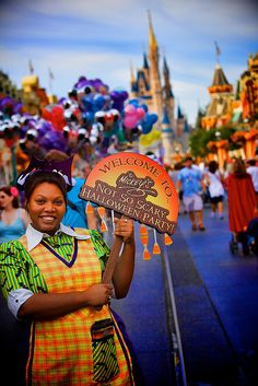I've never attended Mickey's Not So Scary Halloween Party, but this picture makes me want to!