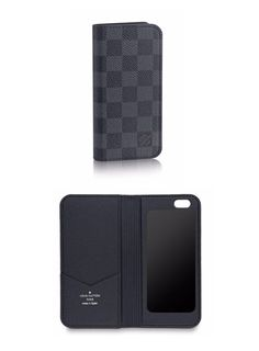 Louis Vuitton's Damier Graphite iPhone 6 case is an ideal gift for tech savvy fathers.