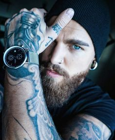 "1,250 mentions J'aime, 6 commentaires - Beardsandinks (@stylish_beards_and_inks) sur Instagram : ""Double tap for more beard pictures _ #Beardedman #Beardedface #beardgang #beardsofinstagram…"""
