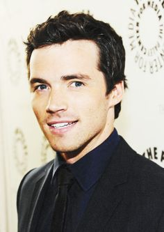 Ian Harding a.k.a Ezra from Pretty Little Liars a.k.a A. i still cry when i think about it.. is that weird?