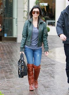 love her,and those boots!