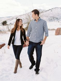 This e-sesh will make you love winter: http://www.stylemepretty.com/2015/02/24/snowy-red-rocks-winter-engagement-session/ | Photography: Ashley Sawtelle - http://ashleysawtelle.com/