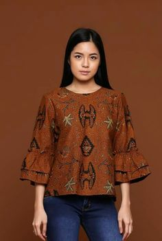 Blouse Batik, Batik Dress, African Print Fashion, African Fashion Dresses, African Attire, African Dress, Batik Kebaya, Amarillis, Batik Pattern
