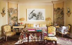Shop The Room: Indochine MomentArchitect Jorge Elias and his wife Lucila blend French and Asian elements to applause-worthy effect in their Sao Paulo bedroom. Exotic Bedrooms, Beautiful Bedrooms, Beautiful Interiors, Architectural Digest, Modern Interior Design, Home Design, Design Ideas, Asian Interior, Design Inspiration