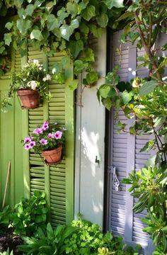 Des volets colorés outdoor terrasse jardin garden