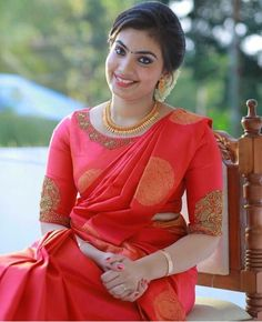 Wedding Saree Blouse Designs, Pattu Saree Blouse Designs, Fancy Blouse Designs, Blouse Neck Designs, Wedding Sarees, Sumo, Bridal Silk Saree, Sleeves Designs For Dresses, Stylish Blouse Design