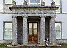 Fota House - portico