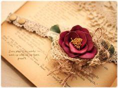 *【sold out】 (赤)椿のお花とレースいっぱいの乙女ブレスレット