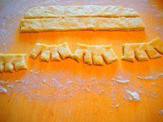 ET – Blogit | mrs60something – Perinneleivonnaista pääsiäiseksi - kampanisut Dairy, Cheese, Baking, Food, Bakken, Essen, Meals, Backen, Yemek