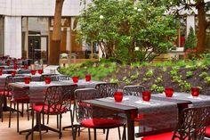 Le patio du Méridien Etoile