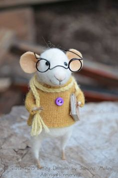 Little Reader Mouse computers in clothes yellow sweater and reading glasses - Felting Dreams - READY TO SHIP Felted Wool Crafts, Felt Crafts, Needle Felted Animals, Felt Animals, Wet Felting, Needle Felting, Stuart Little, Mouse Crafts, Felt Mouse