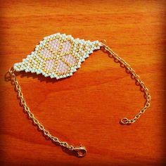 """77 Likes, 15 Comments - Stéphanie Le Roux (@_stephstef_) on Instagram: """"Le bracelet pour ma pâquerette @mademoiselleboebs #paquerette #brickstitch #birthdaygift #bracelet…"""""""