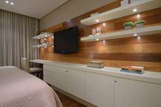 Painel TV no quarto