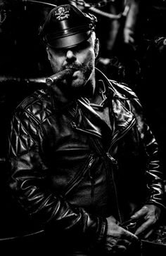 Love to see a hot man smoking a cigar stiffens me up every time None of the pictures that are shown belong to me, please let me know if there is a picture that is posted that should not be here and I'll take it off. Motorcycle Leather, Biker Leather, Leather Men, Leather Jackets, Biker Jackets, Cigar Men, Man Smoking, Cigar Smoking, Hommes Sexy