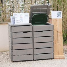 Mülltonnenbox Grau Geölt                                                                                                                                                      Mehr Garbage Shed, Garbage Can Storage, Hide Trash Cans, Trash And Recycling Bin, Shed Storage, Storage Bins, Bin Shed, Bin Store, Garden Makeover
