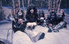 KISS 1977 This is one of the most iconic photographs in the history of rock ¿n¿ roll. The ...
