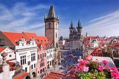 Прага: Советы бывалого путешественника  1. В Праге необязательно выбирать жилье в центре. Комфортные и недорогие гостиницы есть и на периферии. Город разделен на 10 округов. Каждый из них уникален историческими памятниками и архитектурными решениями. Например, в округе «Прага-10» находится Гостиваржский парк, в котором собраны тысячи видов редких растений. В округе «Прага-5» — дом-музей Моцарта «Бертрамка», а Городской музей — в округе «Прага-8». Конечно, если предпочитаете пешие прогулки…