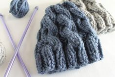 free knitting pattern for Chunky Cable Hat in two sizes