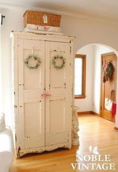 Noble Vintage: vintage rustic Christmas house tour- part 1 #Shabbychicbedrooms