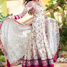 Like most women, you will surely love the prints and colors of the new Gul Ahmed lawn 2012 collection. Nevertheless, don't buy a Gul Ahmad. Pakistani Lawn Suits, Pakistani Outfits, Indian Outfits, Pakistani Clothing, Salwar Kameez, Churidar, India Fashion, Asian Fashion, Fashion Women