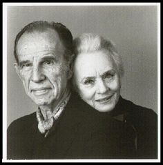 Hume Cronyn and wife Jessica Tandy, married over forty years. They were the guests of honor at a luncheon for the Los Angeles theater critics that was held at the LA Times. Actors Male, Tv Actors, Actors & Actresses, Celebrities Then And Now, Famous Celebrities, Celebs, Best Love Stories, Love Story, Divas