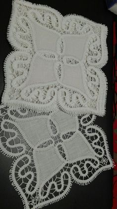 Bruges, Point Lace, Bobbin Lace, Lace Knitting, Fiber Art, Projects To Try, Elsa, Crochet, Lace Shorts