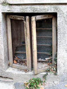 trash-can-window
