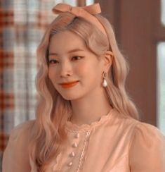 Nayeon, Kpop Girl Groups, Korean Girl Groups, Kpop Girls, Twice Dahyun, Best Icons, I Icon, Kpop Aesthetic, Girl Day