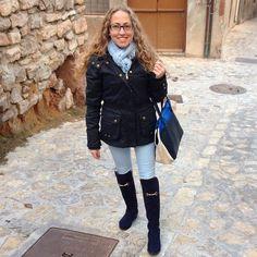Día tranquilo después de la paliza de viaje. Por ello que mejor que un look cómodo en tonos azules  #ideassoneventos #imagenpersonal #imagen #moda #ropa #looks #vestir #wearingtoday #hoyllevo #fashion #outfit #ootd #style #tendencias #fashionblogger #personalshopper #blogger #me #lookoftheday #streetstyle #outfitofday #blogsdemoda #instafashion #instastyle #todaysoutfit #fashiondiaries #currentlywearing #clothes #casuallook #tonosazules