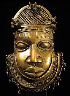 África, Nigeria, Reino de Benin, Edo ornamento Hip pueblos que representa la cabeza de un tribunal Benin officialEarly centuryBrass 18 y Museo de Arte de Campana hierro