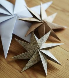 Origami - DIY Paper Stars by homebylinn Noel Christmas, Diy Christmas Ornaments, Holiday Crafts, Christmas Paper, Christmas Origami, Homemade Christmas, Thanksgiving Holiday, Christmas Ideas, Christmas Inspiration