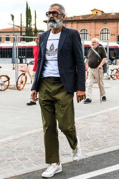 the blazer edit. Old Man Fashion, Urban Fashion, Men's Fashion, Trendy Fashion, Winter Fashion, Fashion Trends, Fashion Eyewear, Trendy Style, Work Fashion