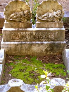 It's titanically sad when infants and children lose their lives at such an early vintage that they aren't able to grow and enjoy what we have! Cemetery Monuments, Cemetery Statues, Cemetery Headstones, Old Cemeteries, Cemetery Art, Graveyards, Unusual Headstones, Bonaventure Cemetery, Cemetery Angels
