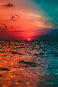 Sunset on the beach wallpaper Strand Wallpaper, Ocean Wallpaper, Iphone Background Wallpaper, Nature Wallpaper, Beach Sunset Wallpaper, Walpaper Iphone, Travel Wallpaper, Aesthetic Backgrounds, Aesthetic Wallpapers