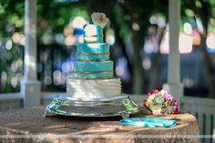 Teal and Gold Wedding Cake Glamorous Wedding Cakes, Fondant Wedding Cakes, Teal And Gold, Gold Wedding, Glamour, Engagement, Sweet, Engagements