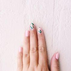 banana leaf inspired nails by @nailyeah