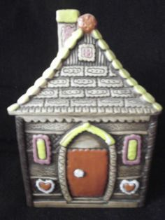 """VINTAGE COLLECTIBLE COOKIE JAR """" GINGER BREAD HOUSE """""""