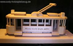 Tram Spielzeug mit Gravur Text