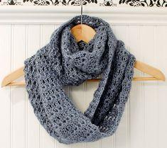 Beautiful infinity scarf crochet pattern  https://www.etsy.com/fr/listing/109107433/crochet-pattern-mobius-infinity-scarf