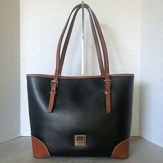 Style: Dooney & Bourke Collins Rachel Tote in Black. From the Collins Collection by Dooney & Bourke. Two tone in Black with Brown leather trim and accents. Vintage Leather, Handmade Leather, Leather Handbags, Leather Bags, Leather Shoulder Bag, Shoulder Bags, Crossbody Bag, Tote Bag, Dooney Bourke