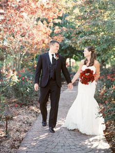 Fine Art Film Tuscan Vineyard Wedding | Red Flowers | Magnolia Rouge | Emily March Photography