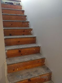 You have to see this stunning makeover! How to replace old stair treads with gorgeous hardwood. What an easy home improvement project! You have to see this stunning makeover! How to replace old stair treads with Handmade Home Decor, Diy Home Decor, Weekend Projects, Diy Projects, House Projects, Staircase Makeover, Redo Stairs, Staircase Remodel, Staircase Ideas