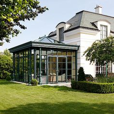 If you are who want to add a conservatory green-house to all of your residence, this informative article supplies you with plenty of inspirational ideas on how to get you mother nature. Small Restaurant Design, Architecture Renovation, House Architecture, Garden Room Extensions, Sunroom Decorating, Glass Room, Glass House, House Goals, Outdoor Rooms