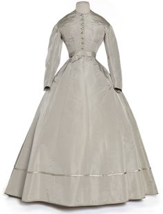 Robe en deux parties, France, 1860-1865    Faille, biais de satin  Coll. UFAC, don Le Bec, 1969  Inv. 69-26-1.ABC