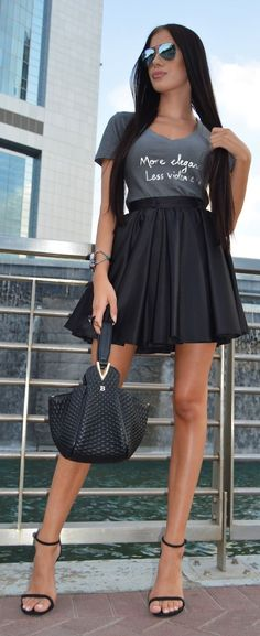 Shades Of Grey Chic Style by Laura Badura Fashion ***** Street Style, Street Chic, My Unique Style, My Style, Hot Outfits, Fashion Outfits, Fashion Heels, Laura Badura, Diva Fashion