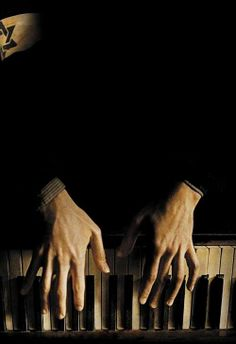 the pianist , adrien brody, roman polanski, hands on the piano Adrien Brody, Piano Hands, Piano Photography, Jazz, Roman Polanski, Hand Reference, Playing Piano, Music Aesthetic, Piano Lessons